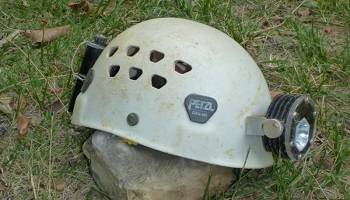 Petition : Give us the Ecrin Roc: the only true caving helmet !