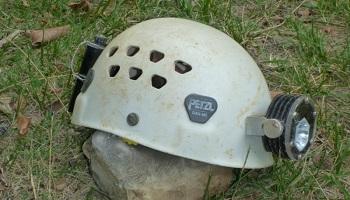 Pétition : Rendez-nous l'Ecrin Roc : le seul vrai casque spéléo !