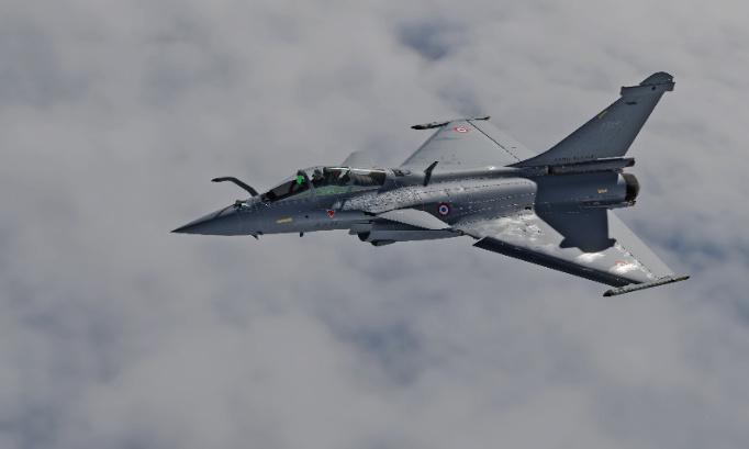 Après les F18 , F16 , JF17 , ... un Typhoon arrive bientôt sur DCS ... et pourquoi pas un Rafale ?!