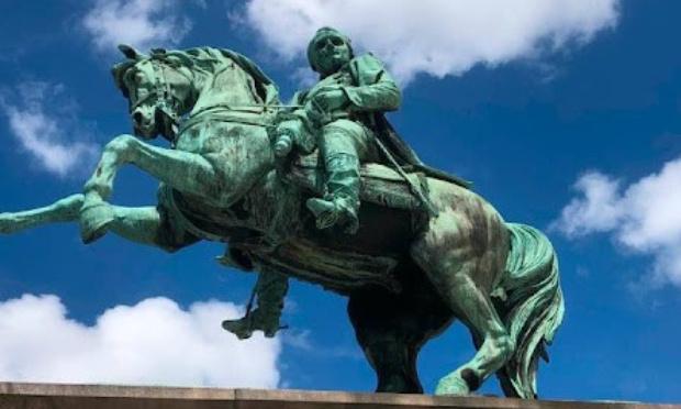 Sauvons la statue de Napoléon à Rouen !