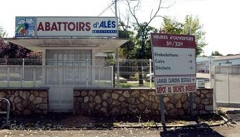 Que l'abattoir d'Alès soit fermé définitivement et qu'une forte amende soit attribuée pour maltraitance des animaux