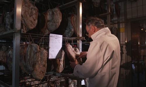 Un contrôle régulier dans tous les abattoirs de France pour lutter contre la maltraitance animale et les conditions de mise à mort !