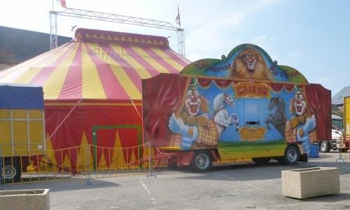 Le cirque Europa hors de notre ville !