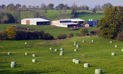 P tition permis de construire sur l 39 exploitation agricole for Permis agricole