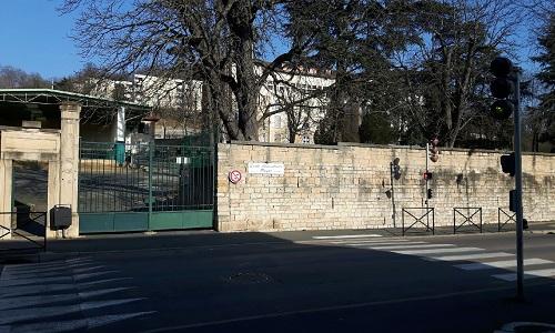 Pétition : Non à la fermeture des écoles Poyat