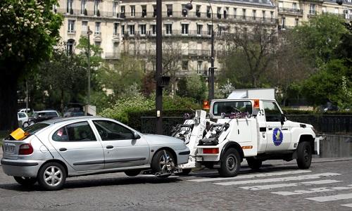 Enlèvement de véhicules légal ! Contre la confiscation suivie d'une saisie et de la vente de nos véhicules