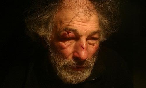Paris : Halte à la maltraitance d'un vieil homme, Giuseppe