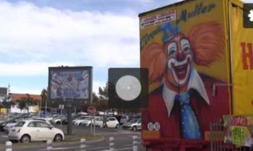Cirque avec animaux sur le parking de Carrefour Labège 31