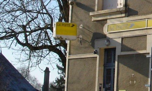 Non à la fermeture de la poste de Canet (34800 )