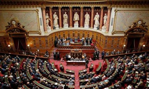 Suppression du Sénat et des dépenses d'apparat