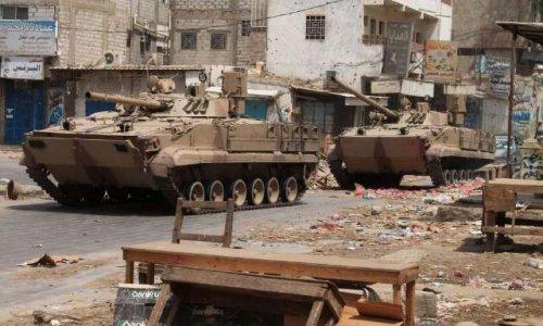 Emmanuel macron complice de crimes de guerres