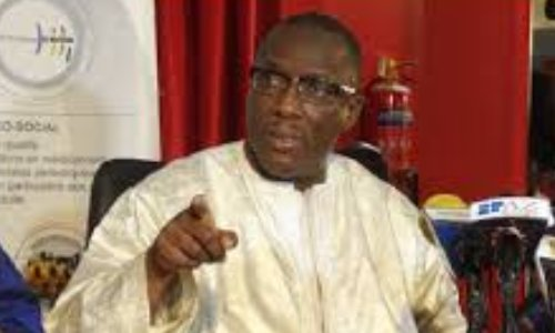 Pétition pour la démission de Cheikh Oumar Hann
