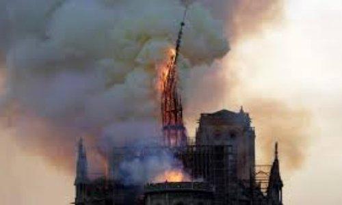 Redonner aux plus démunis une partie des dons destinés à la cathédrale Notre Dame