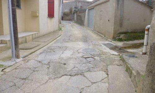 Pour l'amélioration de l'état de la chaussée et du réseau assainissement rue du lavoir et rue de l'église à Montlegun
