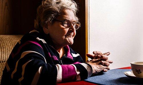 Les personnes âgées sont les premières victimes de la solitude !