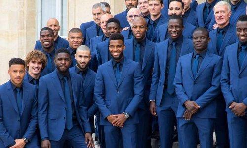 Retirer la legion d'honneur à l'équipe de France de football