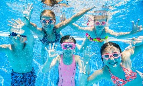 Non à la fermeture de la piscine Tournesol