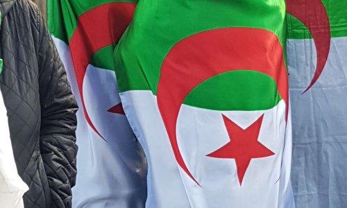 Démission exigée de Naima Salhi députée FLN algérienne