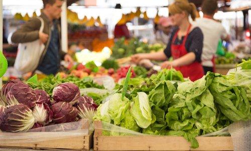 Les amis du marché de Gournay se mobilisent pour sauver leur marché et ses commerçants