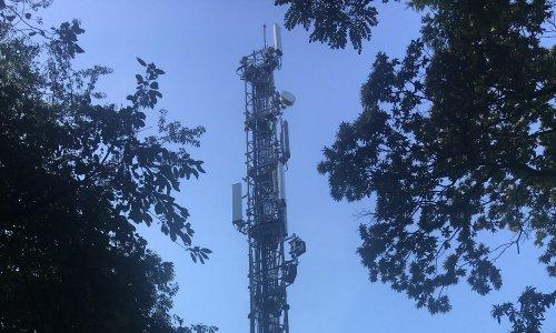 Pétition : Pour le déplacement à plus de 500m de toute habitation de l'antenne orange prévue à CELAZ