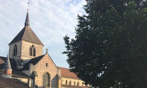 Pétition : Sauvez notre patrimoine : non à la vente des églises du Château et de la Grange au Bois