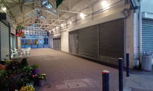 ABANDON DU CC PABLO PICASSO de Combs la Ville (77) - Les commerçants en DANGER