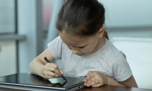 Pétition : Trop d'écrans, un fléau pour nos jeunes enfants !