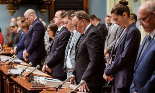Pétition : Mettre le drapeau en berne à l'Assemblée Nationale le 30 avril 2020