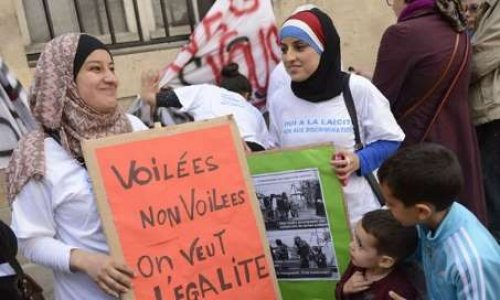 Pétition : Pour le port du voile islamique lors des sorties scolaires