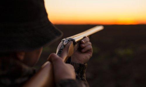 Pour une distance minimale de chasse de 200 m par rapport aux habitations