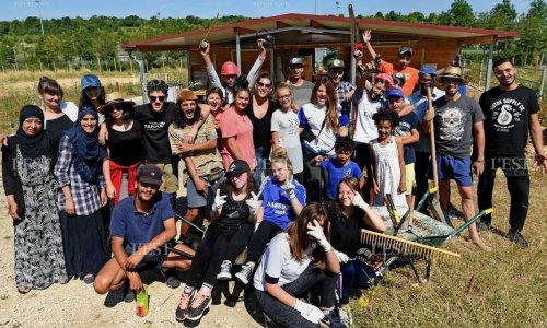 Contre la fermeture de La Ferme du Plateau de Haye