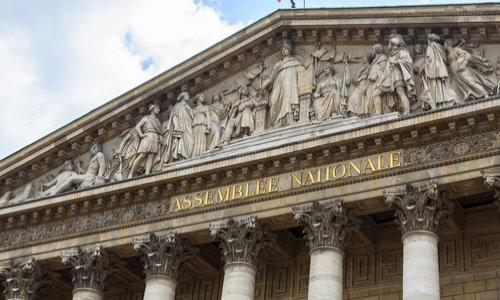 DISSOLUTION DE L'ASSEMBLÉE NATIONALE POUR UNE NOUVELLE MAJORITÉ