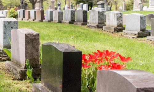 Sensibiliser les maires contre les actions abusives de sociétés de gestion des cimetières