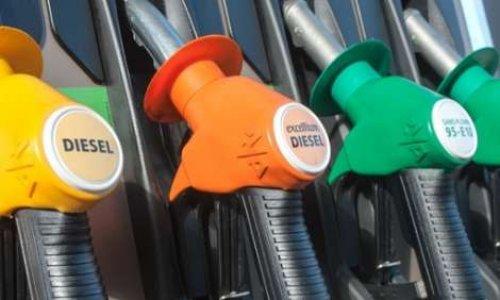 Forte baisse des taxes sur les carburants
