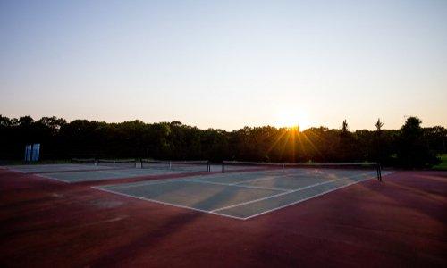 Pour l'ouverture des tennis de St Cloud tant que leur fermeture n'est pas formellement demandée par la FFT ou le gouvernement !