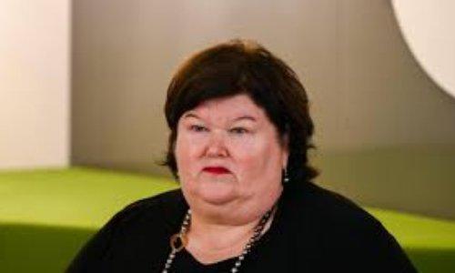 Remplacement de l'actuelle ministre fédérale de la santé Maggie DEBLOCK
