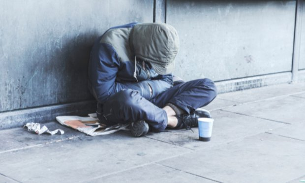 Chambres d'hôtel pour les sans-abri et les immigrés