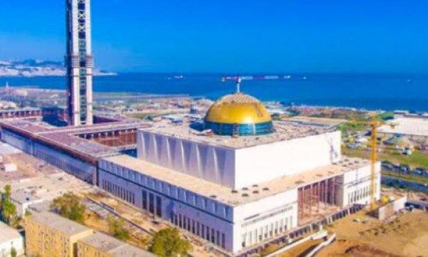 Compagne afin de transformer la grande mosquée insignifiante par un grand hôpital
