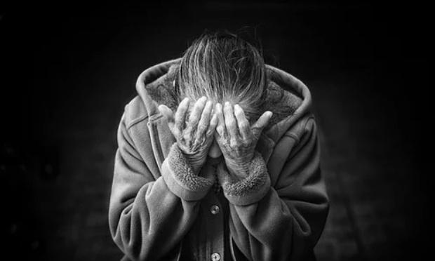 """Poème """"Les vieux"""" """"militant"""" pour que, ENFIN, les anciens soient traités avec le respect, l'attention, que nous leur devons et pour une amélioration de leurs conditions dans les EHPAD"""