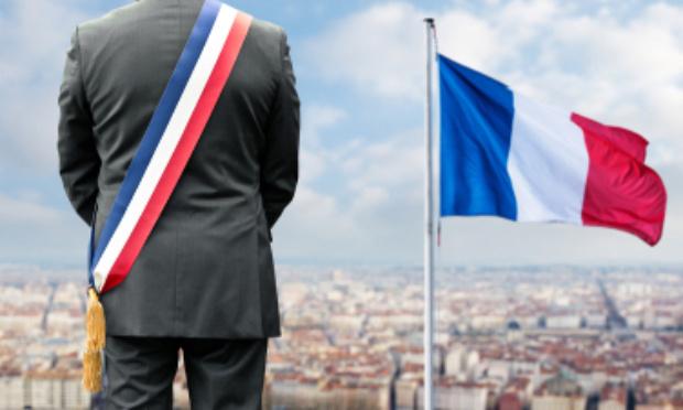 Nous, élus de France, donnons 1 mois d'indemnités aux soignants !