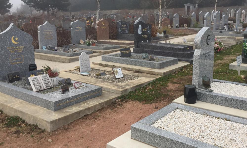 Musulmans : exclus, même des cimetières.!