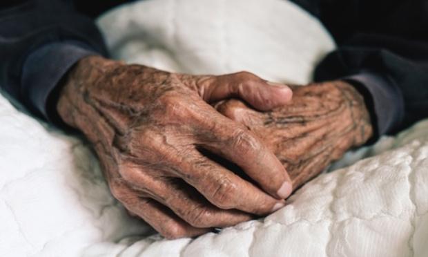 Pétition : Dépistage du Covid-19 pour les personnes âgées des foyers, distribution gratuite des masques et surveillance active !