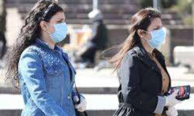 masque obligatoire pour tous dans la rue pour éviter un reconfinement