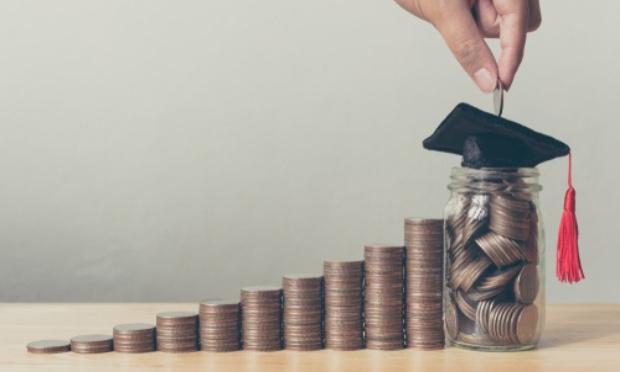 Mobilisation pour le maintien des bourses aux étudiants pour les mois de Juillet et Août