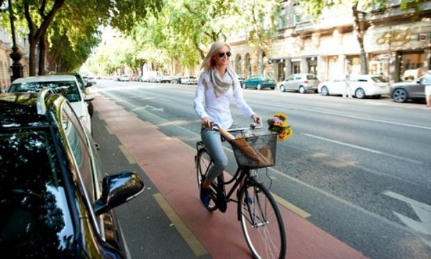 Non à la piste cyclable sur le BAB