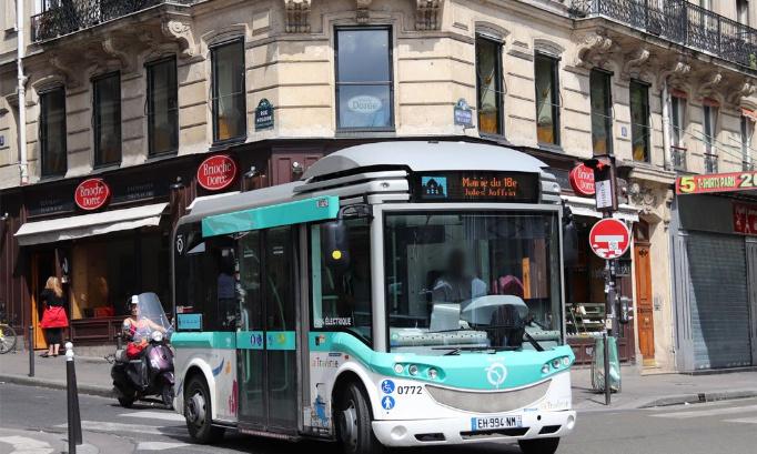 Un retour à Pigalle pour le Montmartrobus