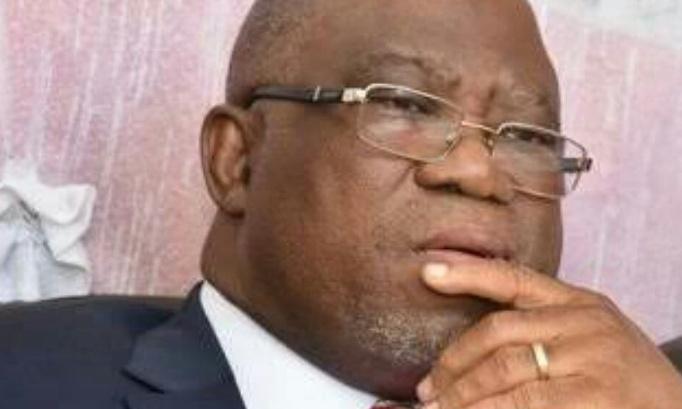 Pétition : Pétition contre les Ministres du Budget et des Finances (émoluments des diplomates non versés)