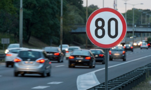 Pour une meilleure sécurité routière, mais contre la limitation de vitesse à 110 km/h sur les autoroutes