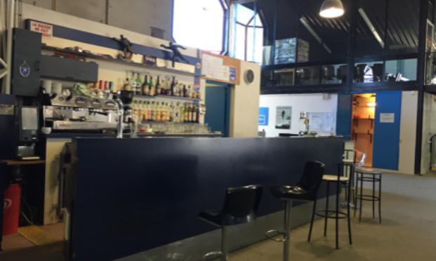 Maintien des horaires d'ouverture actuel du boulodrome et pour la sauvegarde du bar avec la gérante Emma Fenouillet